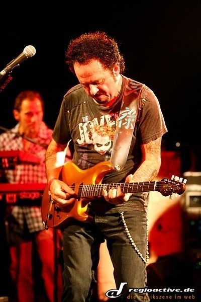 Steve Lukather (in Frankfurt 2010)